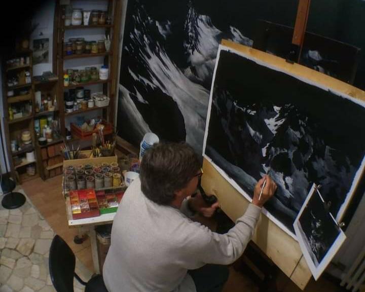 Bruno Lorini nel suo atelier